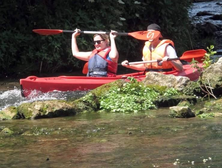 kayak-2417468_1920-1-e1538136538855-1.jpg